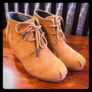 Toms booties. Women's size 6.